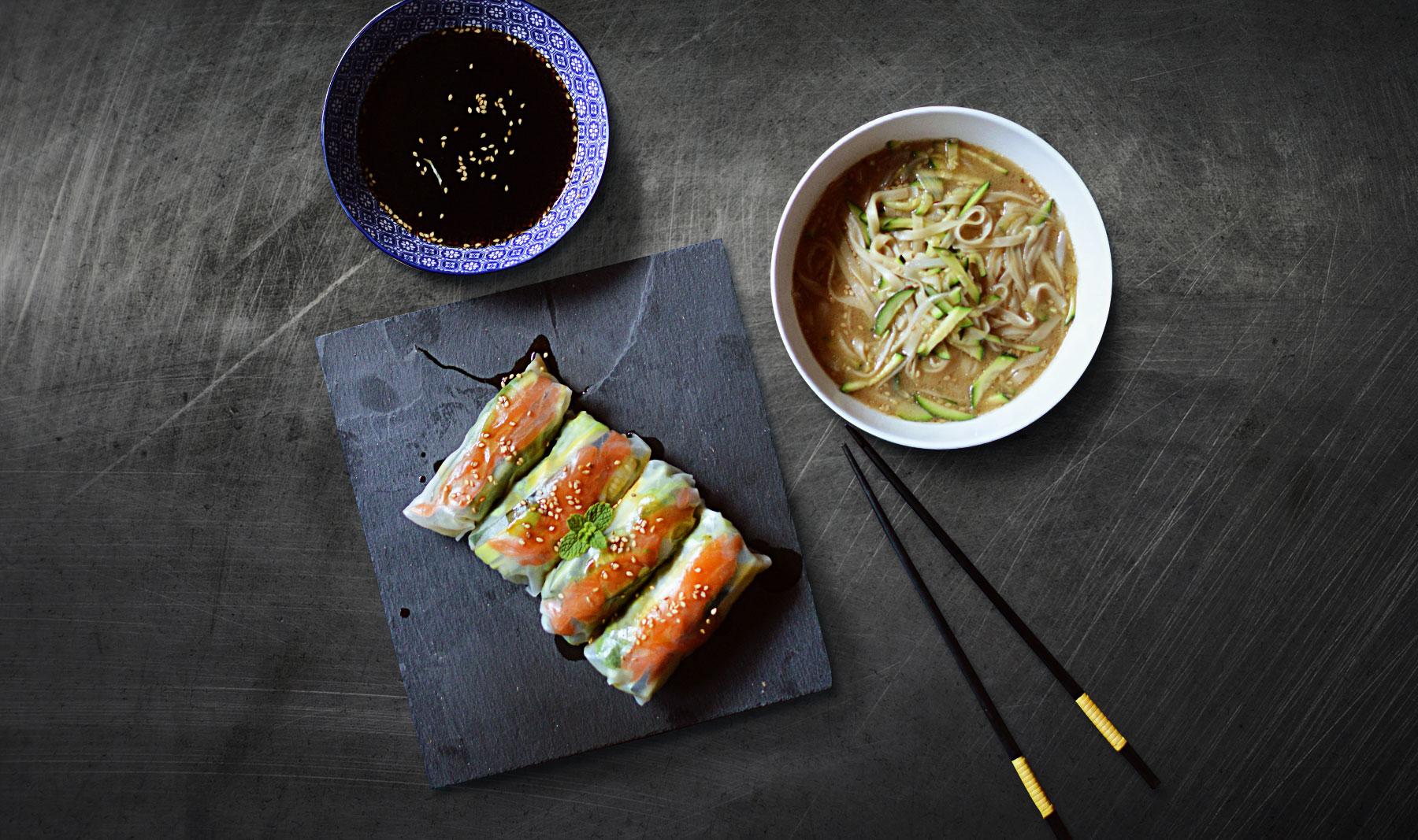 Rollitos vietnamitas de salmón y aguacate