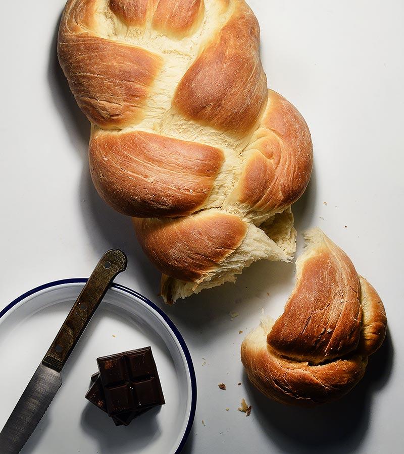 Trenza de pan hecha en casa