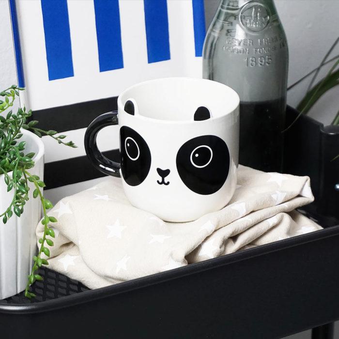 Bonita taza en forma de panda