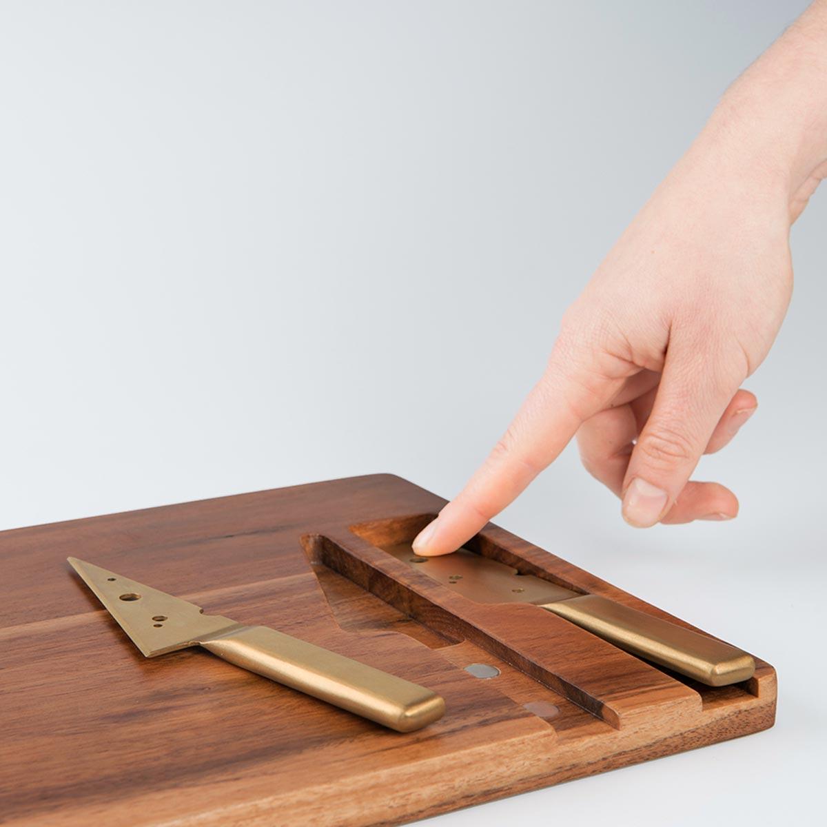 Cuchillos dorados especiales para quesos