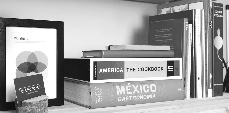 En Miss Gourmand siempre hay montañas de libros